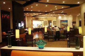 Delhi_Green_Lounge2.jpg